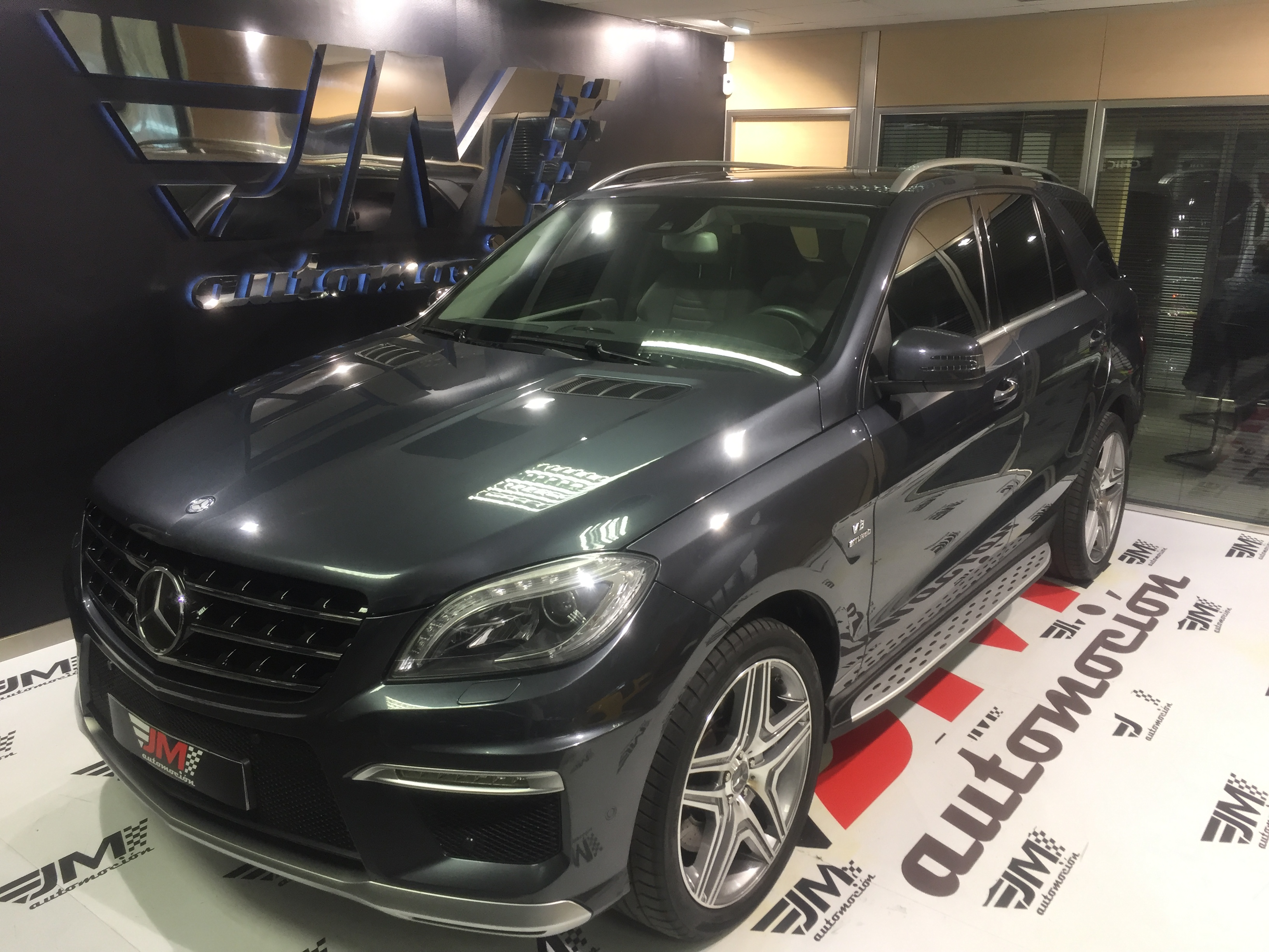 MERCEDES-BENZ Clase M ML 63 AMG 5p.