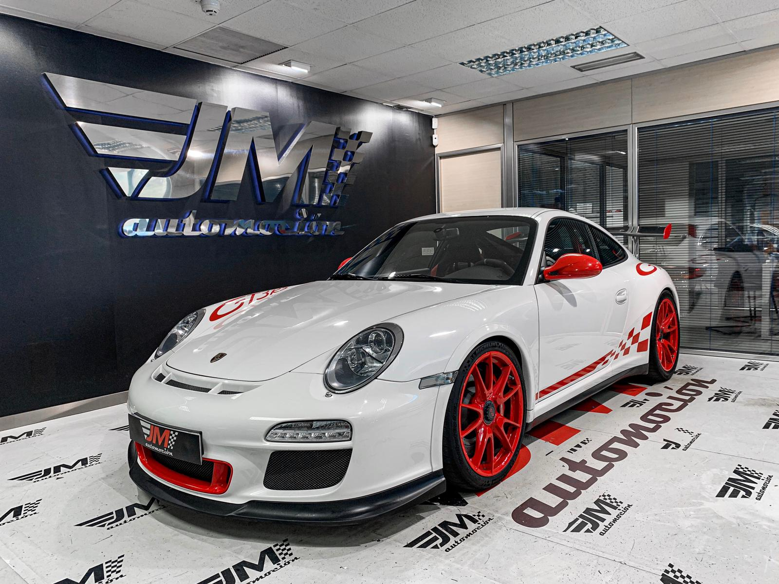 Porsche 911 GT3 RS--PORSCHE APPROVED--